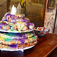 Tiered kingcakes _1