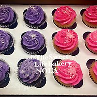 Hot pink and purple cupcakes _1